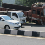 高速道路の渋滞時におすすめ!暇つぶしや緊急時に便利な対策グッズまとめ